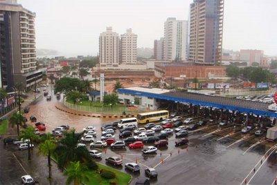 Espírito Santo prorroga pagamento de imposto de contribuintes afetados pelas enchentes