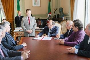Governo gaúcho prorroga decreto que regulamenta ICMS de garrafões de água mineral