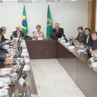 Governo prepara aumento da Cide e um novo Refis para substituir CPMF