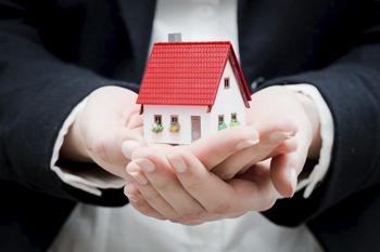 Empréstimo de imóvel para residência de empregado após transferência de cidade é reconhecido como salário