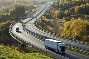 Motorista que dirigia caminhões com tanque de combustível suplementar deve receber adicional de periculosidade