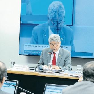 Projeto impede que as empresas em dificuldades sejam excluídas do Refis