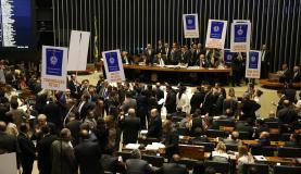 Câmara rejeita destaques e reforma trabalhista segue para o Senado