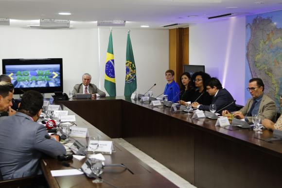 Governo avalia possibilidade de ampliar faixa de isenção do Imposto de Renda