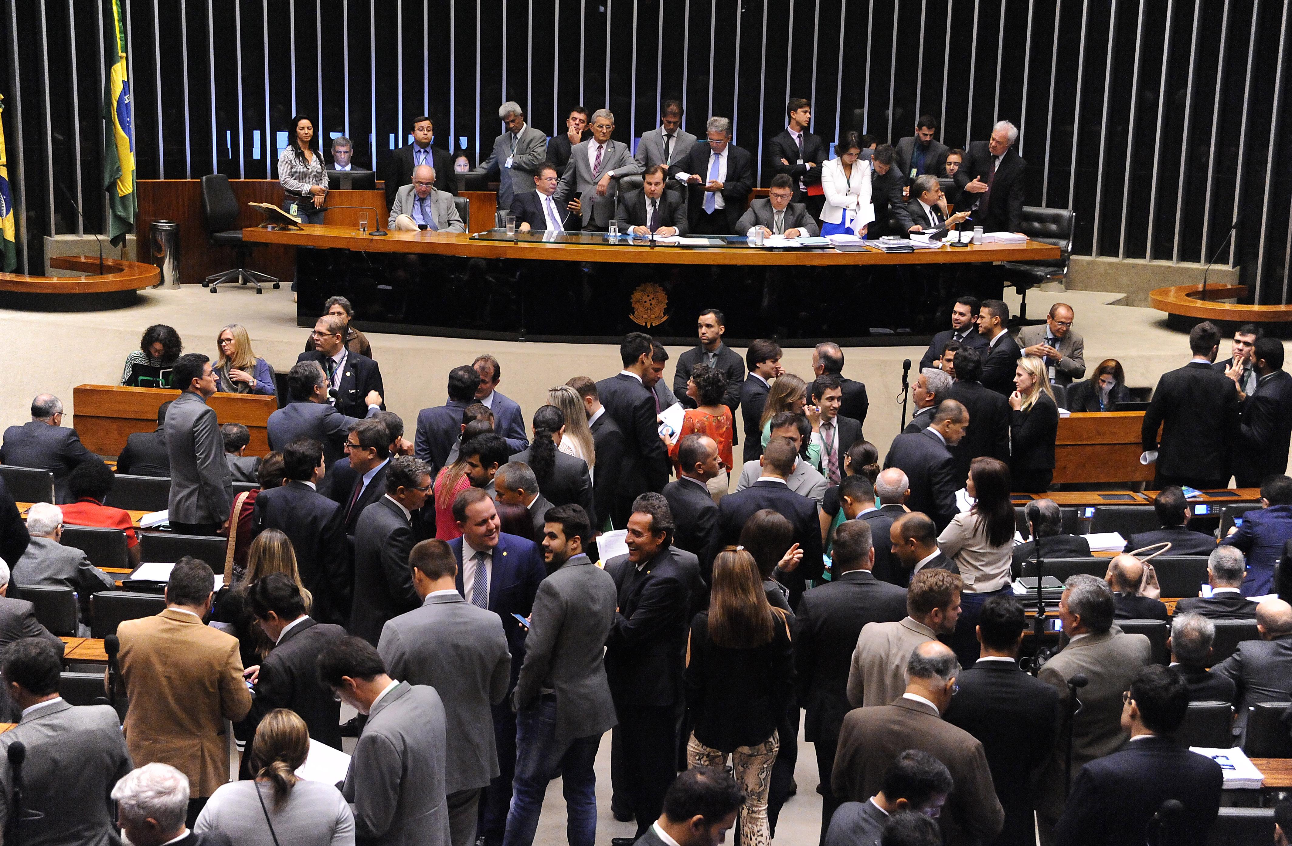 Câmara aprova MP que cria duas taxas para a Zona Franca de Manaus
