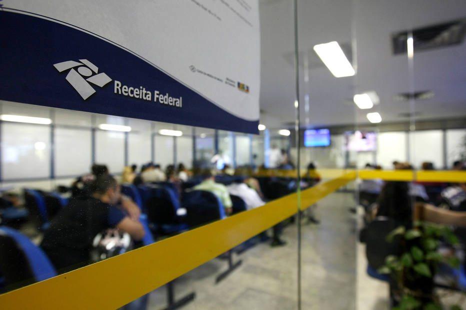Receita Federal perde R$ 8 bilhões com fraudes