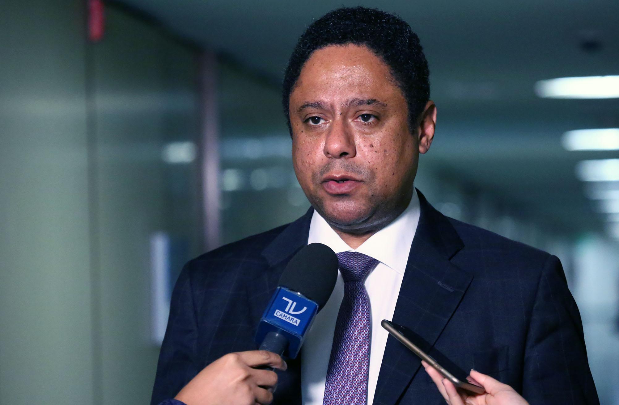 Deputados poderão votar urgência para projeto que altera desoneração da folha