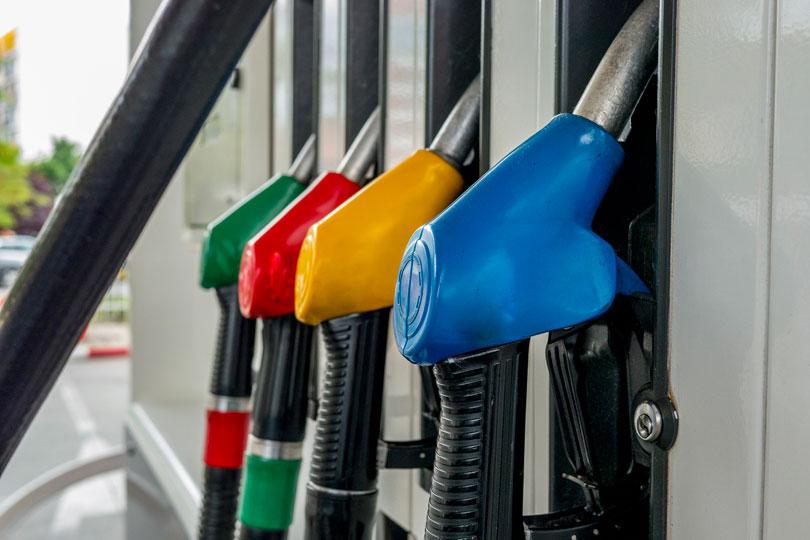 Mantida justa causa de empregado de distribuidora de combustíveis que descarregou gasolina em tanque de óleo diesel