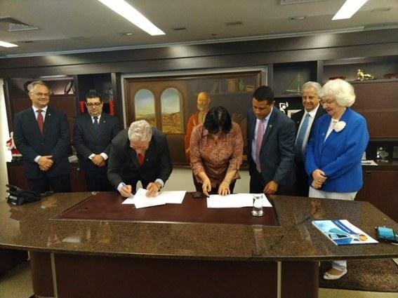 Ministério firma acordo com contabilistas para aumentar arrecadação dos fundos da pessoa idosa