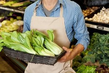 Supermercado terá que indenizar empregado por revista na frente de colegas e de clientes