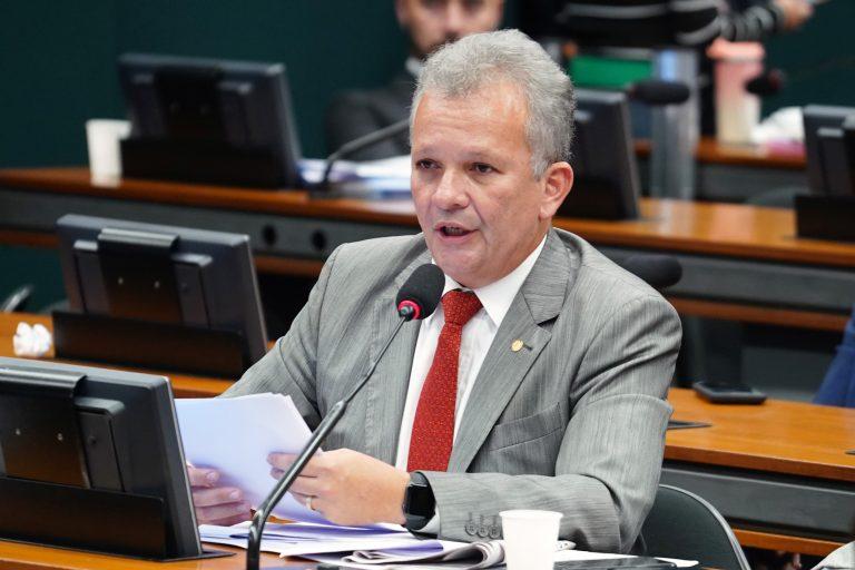 Comissão aprova novo modelo de incentivos fiscais para tecnologia da informação