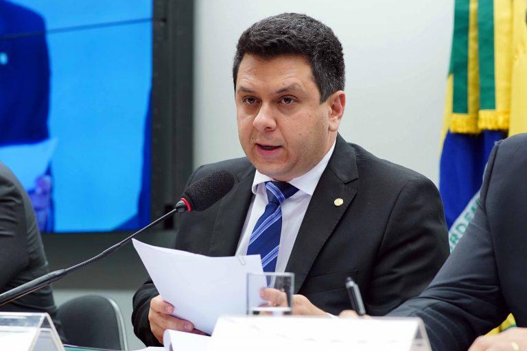 Comissão reduz base de cálculo do ICMS de insumos agropecuários