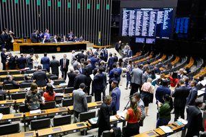 Câmara aprova projeto que modifica regras do Imposto sobre Serviços