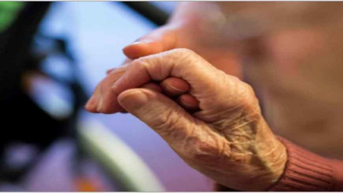Tributação diferenciada sobre aposentadoria de quem vive no exterior é inconstitucional