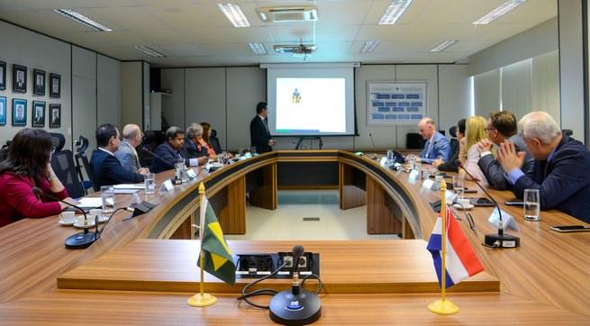 Receita Federal assina Memorando de Entendimento junto à Administração Aduaneira dos Países Baixos