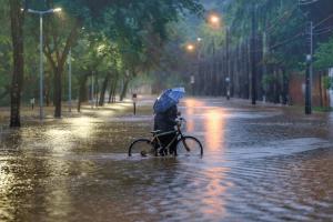 Lei garante perdão de IPTU para imóveis afetados pela chuva em BH