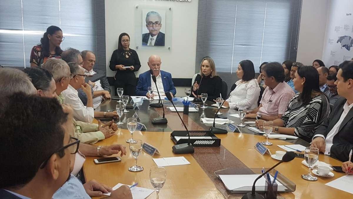 Secretária da Fazenda do Ceará apresenta medidas de simplificação para empresários na FCDL