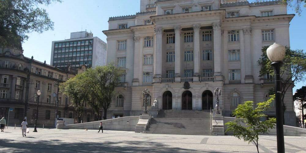 Santos suspende prazos para cobranças da Dívida Ativa por 90 dias