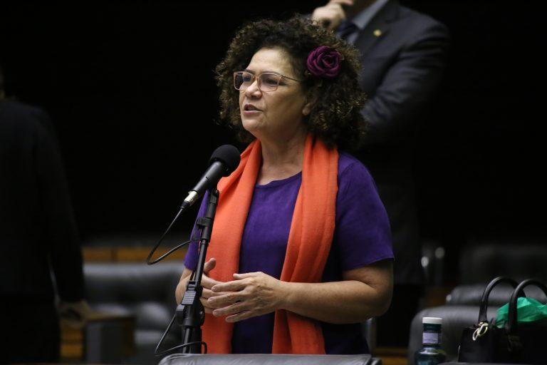Câmara aprova suspensão da contribuição previdenciária patronal e proibição de multa pelo atraso de documento fiscal