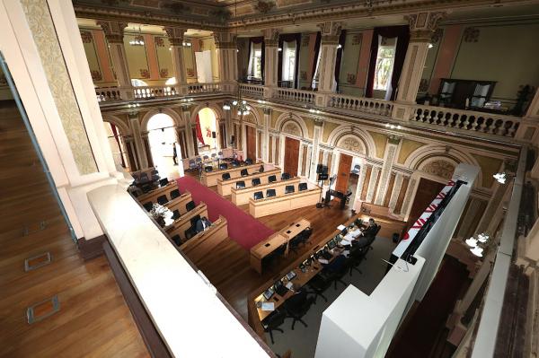 Câmara de Curitiba vota adiamento de dívidas de contribuintes