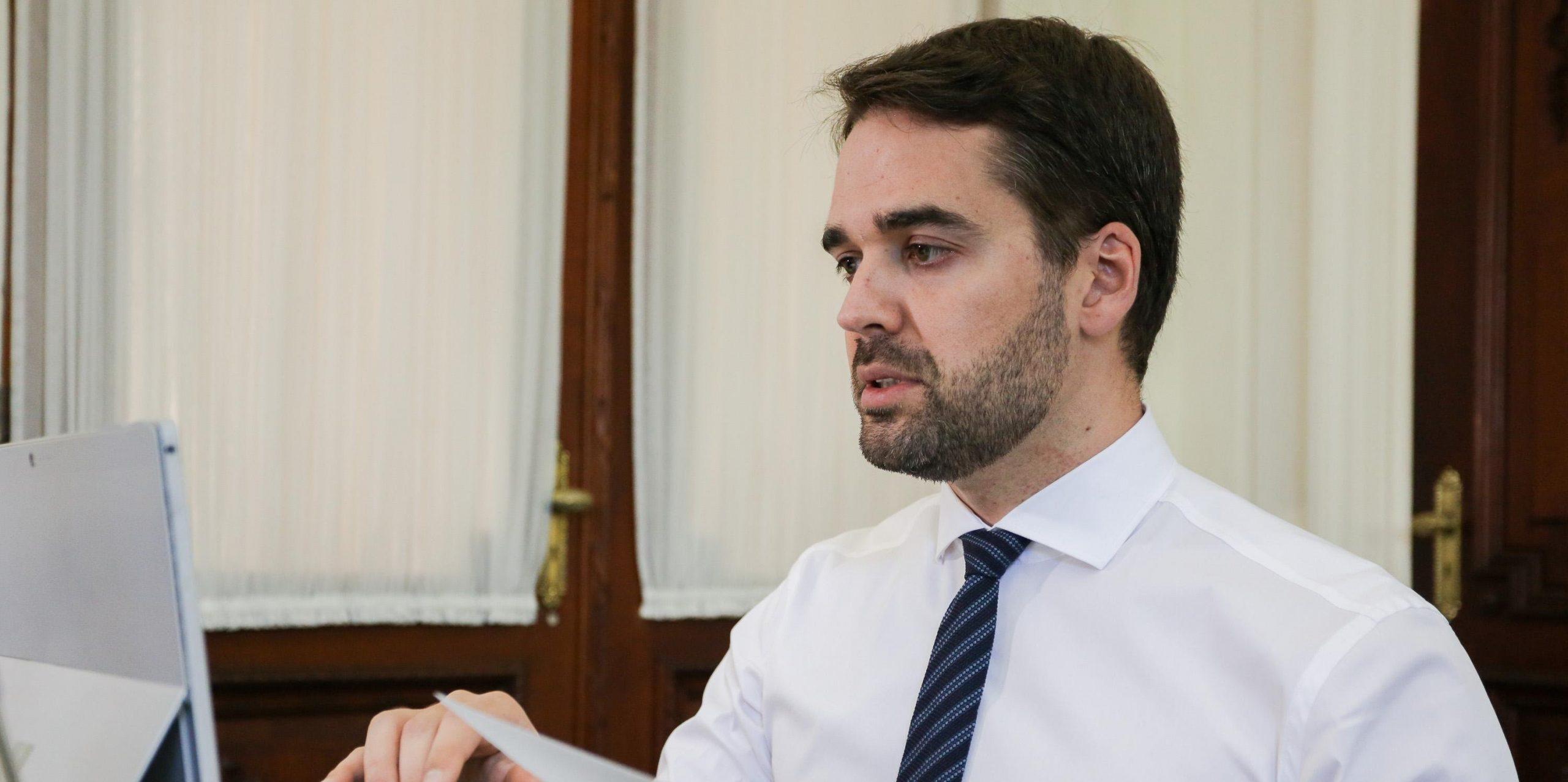 Eduardo Leite descarta renovação das alíquotas de ICMS