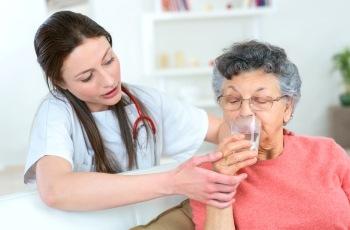Justiça do Trabalho nega relação de emprego a cuidadora de idosos que trabalhava nos finais de semana