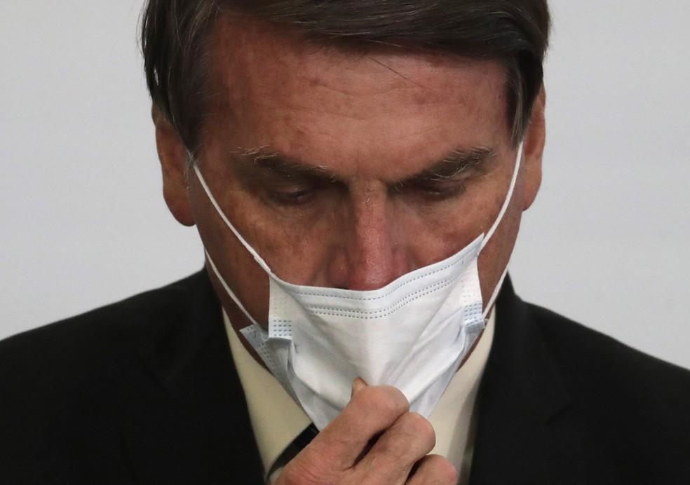 Bolsonaro veta parte do perdão de dívidas de igrejas e estimula Congresso a derrubar vetos