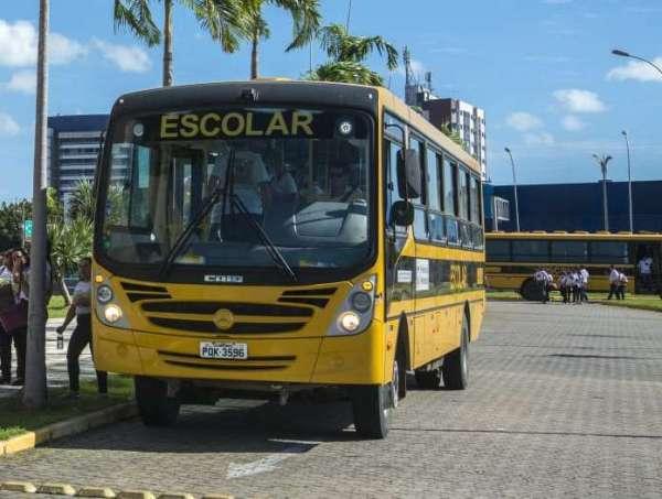 Governo do Ceará envia à Assembleia Legislativa projeto que isenta IPVA de transportes escolares