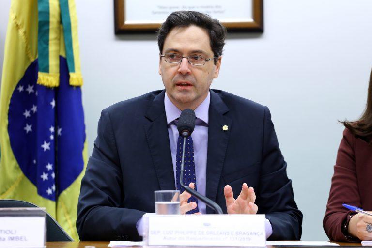 Projeto estabelece isonomia tributária entre fabricantes de arma brasileiros e estrangeiros