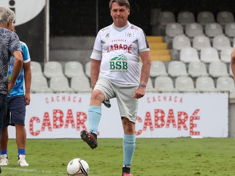 Bolsonaro veta suspensão de dívidas de clubes de futebol durante pandemia