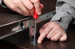 Decisão considera que montador de móveis realiza trabalho externo, sem controle de jornada