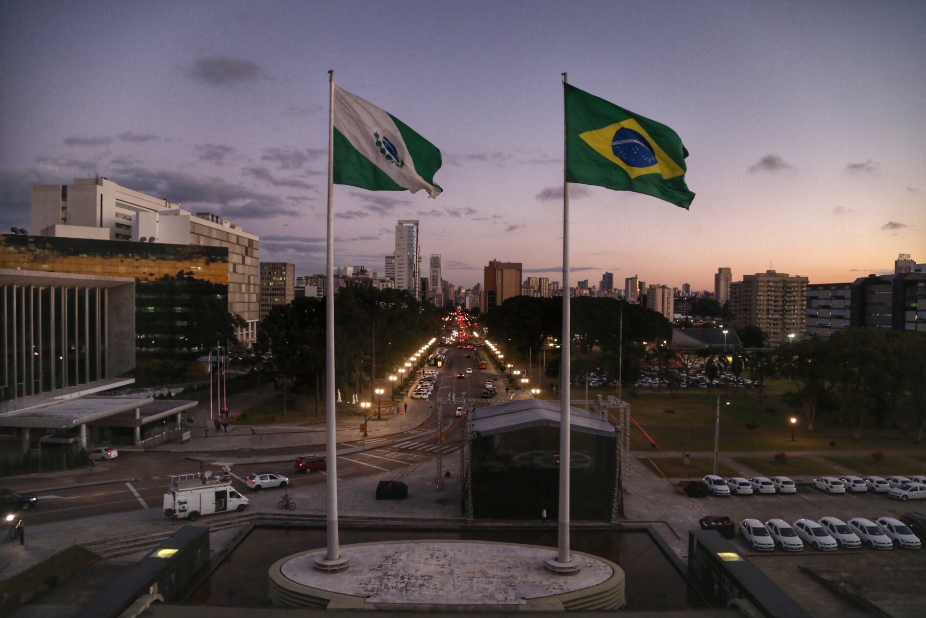 Paraná prorroga pagamento do IPVA e suspende execuções de dívida ativa