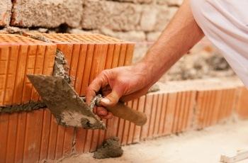Justiça do Trabalho reconhece vínculo de emprego entre construtora e pedreiro contratado como MEI para fraudar a legislação trabalhista