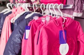 Juiz mantém penhora de mercadorias de empresa de vestuários que seriam destinadas à venda