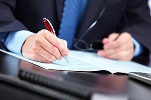 Diretor-empregado não responde subsidiariamente pelas obrigações da empresa reclamada
