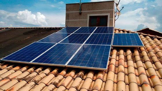 Justiça proíbe cobrança de ICMS na geração de energia solar em MT