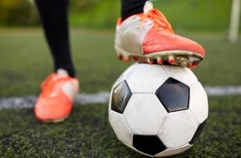 Time de futebol que deixou de contratar seguro obrigatório terá que indenizar atleta que se lesionou em campo