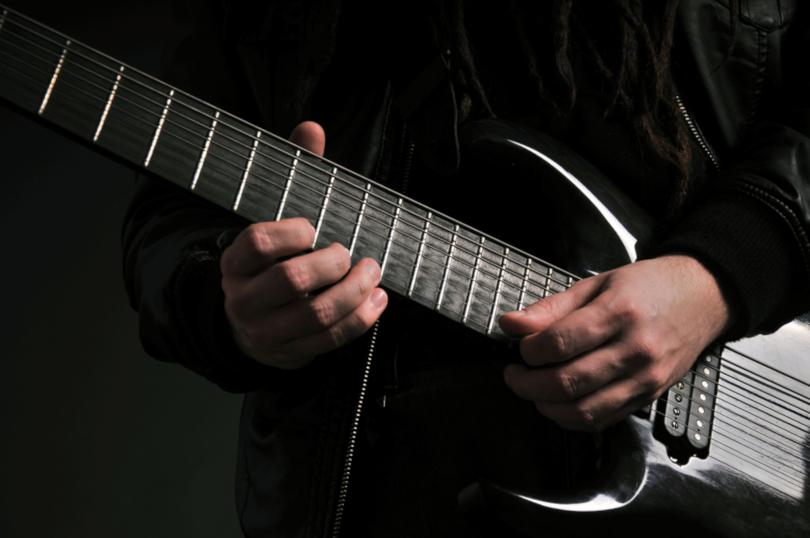 Negado vínculo de emprego entre guitarrista e vocalista de banda sertaneja