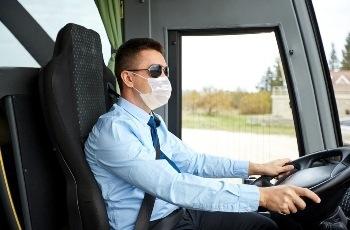 Revertida justa causa de motorista que excedeu a velocidade do ônibus para não se atrasar em aulas de curso em Ouro Branco