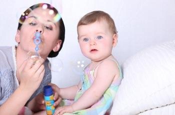 Justiça do Trabalho concede indenização por danos morais à babá que teve CTPS retida pela empregadora